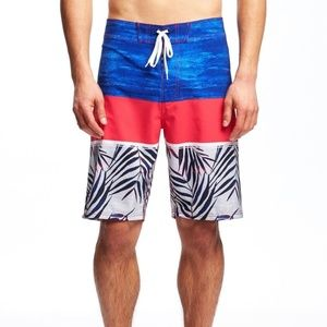 Old Navy Built-In Flex Printed Board Shorts (10'''